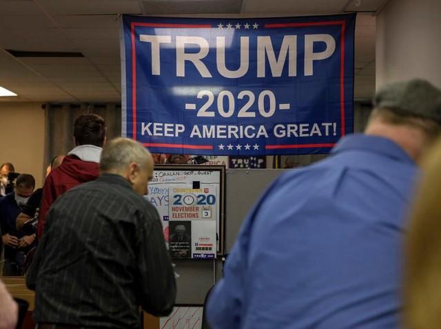 Cơ hội đảo ngược kết quả hẹp dần, ông Trump đổi chiến thuật ảnh 1