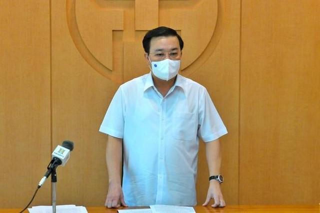 Hà Nội: 2 nhân viên y tế BV Thanh Nhàn mắc Covid-19 khi điều trị bệnh nhân ảnh 1