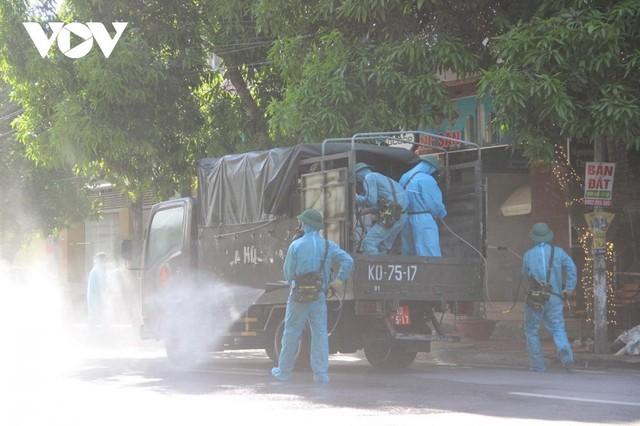 [Diễn biến dịch Covid-19] Tối 25/6: Việt Nam ghi nhận thêm 94 ca dương tính mới với Covid-19 ở trong nước ảnh 39