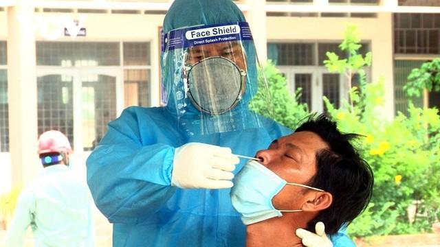 [Diễn biến dịch Covid-19] Tối 25/6: Việt Nam ghi nhận thêm 94 ca dương tính mới với Covid-19 ở trong nước ảnh 30