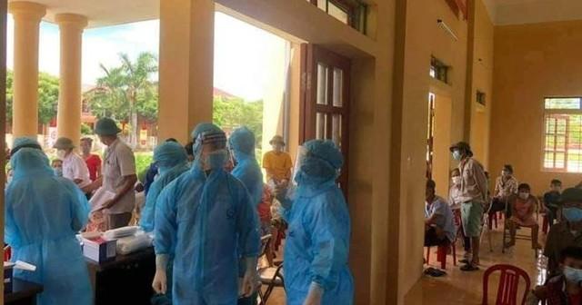 [Diễn biến dịch Covid-19] Sáng 22/7: Việt Nam ghi nhận thêm 2.965 ca dương tính mới với Covid-19 ở trong nước ảnh 44