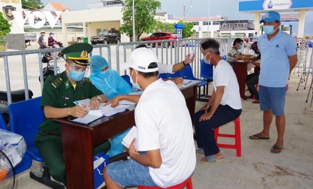 [Diễn biến dịch Covid-19] Sáng 22/7: Việt Nam ghi nhận thêm 2.965 ca dương tính mới với Covid-19 ở trong nước ảnh 38