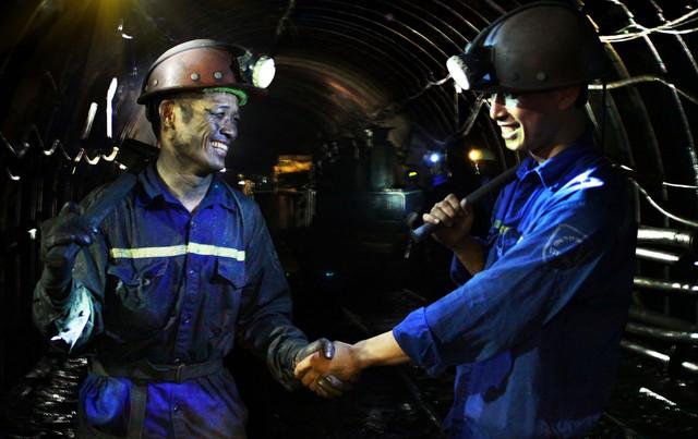 Tập đoàn Công nghiệp Than và Khoáng sản Việt Nam (TKV) vượt khó hoàn thành mục tiêu kép ảnh 1