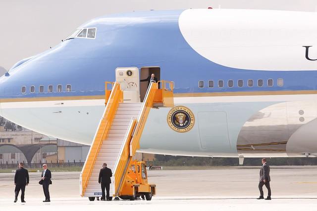 Những hình ảnh đầu tiên của Tổng thống Mỹ Donald Trump tại Việt Nam ảnh 5