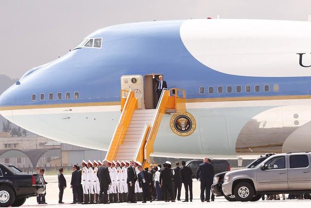 Những hình ảnh đầu tiên của Tổng thống Mỹ Donald Trump tại Việt Nam ảnh 6