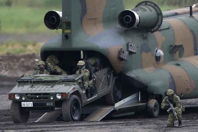 Trả lương thấp cho binh sĩ, Nhật Bản đối mặt khủng hoảng nhân lực ảnh 2