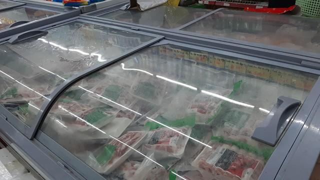 Lương thực, thực phẩm đầy ắp kệ siêu thị, người dân thoải mái mua sắm ảnh 7