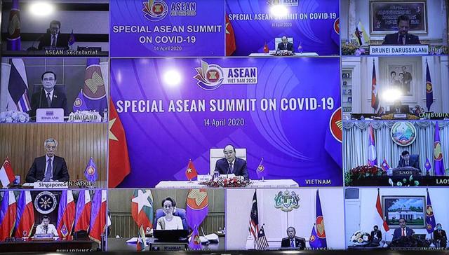 Thủ tướng: ASEAN cần có những bước đi chung để phục hồi kinh tế sau dịch bệnh ảnh 1