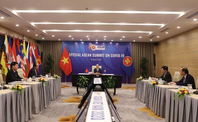 Thủ tướng: ASEAN cần có những bước đi chung để phục hồi kinh tế sau dịch bệnh ảnh 2