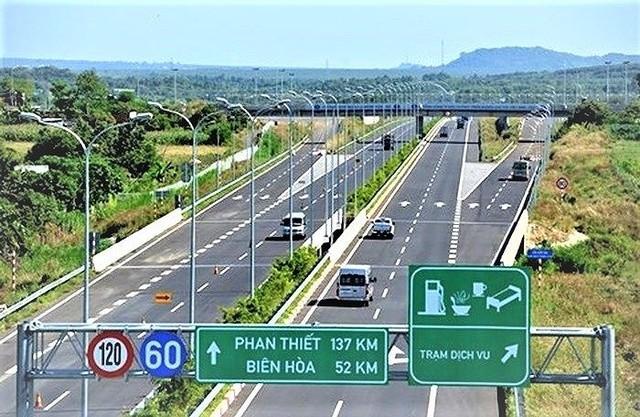 Cấp thiết chuyển đổi hình thức đầu tư 8 dự án PPP cao tốc Bắc - Nam ảnh 1