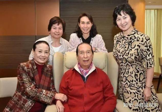 Khởi nghiệp với 1,3 USD, vua cờ bạc Macau xây dựng gia sản khổng lồ ảnh 7