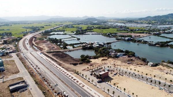 Hướng nào cho tuyến cao tốc Bắc - Nam qua Bình Định? ảnh 2