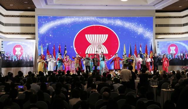 Thủ tướng: COVID-19 là phép thử để ASEAN khẳng định bản lĩnh ảnh 3