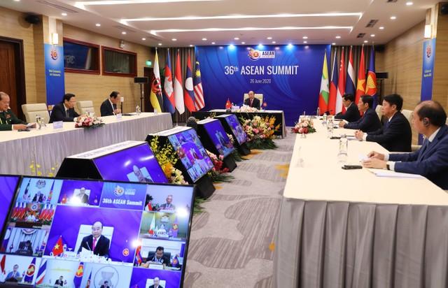 Thủ tướng: COVID-19 là phép thử để ASEAN khẳng định bản lĩnh ảnh 4