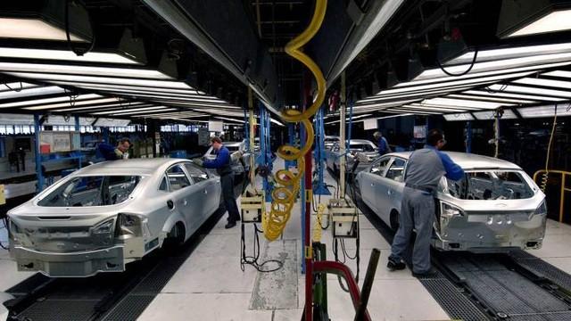 Lên kế hoạch bãi bỏ thuế tiêu thụ đặc biệt đối với ô tô sản xuất ở Việt Nam ảnh 1