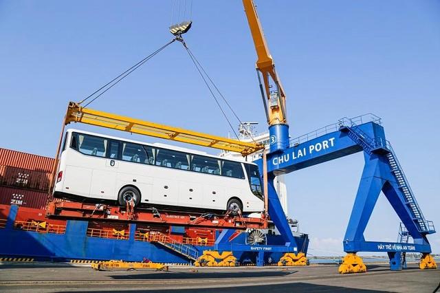 Đầu năm THACO xuất khẩu hơn 200 ô tô và linh kiện phụ tùng ảnh 1