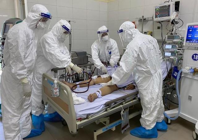 Bác sĩ Ngô Việt Anh: Sợ lây nhiễm cho đồng đội sẽ thiếu người làm ảnh 1