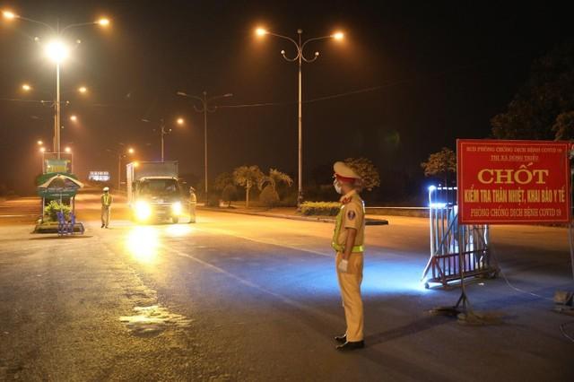 Quảng Ninh tạm dừng nhiều dịch vụ, hoạt động để phòng dịch Covid-19 ảnh 1