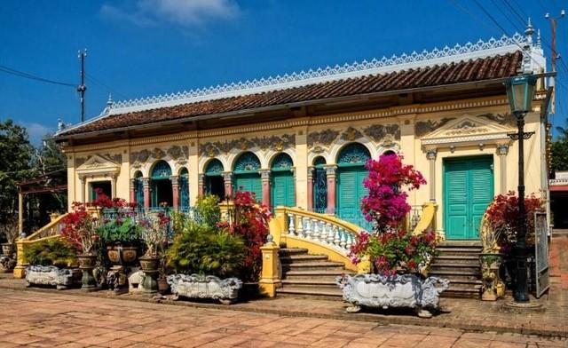 Vẻ quyến rũ của ngôi nhà cổ đẹp nhất xứ Tây Đô ảnh 2