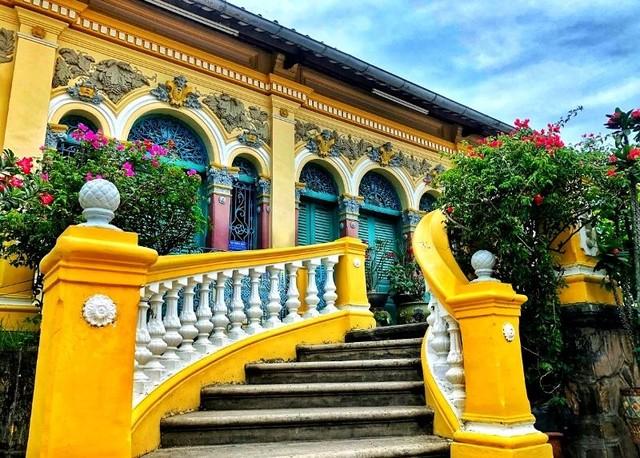 Vẻ quyến rũ của ngôi nhà cổ đẹp nhất xứ Tây Đô ảnh 9