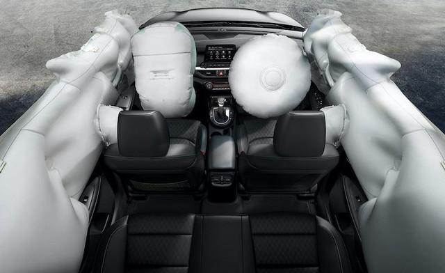 KIA K3 Premium có chức năng sưởi, làm mát ghế ngồi ở hàng trên ảnh 3