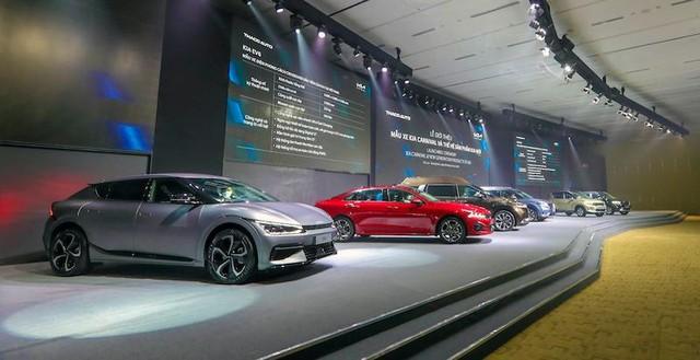 """Giới thiệu cả loạt thế hệ sản phẩm mới của KIA, THACO khiến khách """"ngợp"""" ảnh 4"""