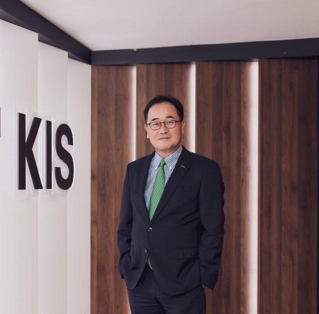 CEO KIS Việt Nam: Cổ phiếu bất động sản, vật liệu xây dựng, khu công nghiệp sẽ dẫn dắt thị trường trong năm 2021 ảnh 1