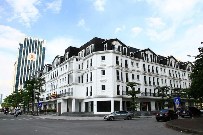 Mặt bằng bán lẻ Hà Nội: Trung tâm thương mại kháng cự Covid-19 tốt hơn nhà phố
