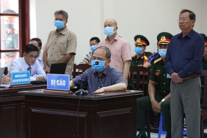 Cựu Đô đốc Nguyễn Văn Hiến nhận mức án 4 năm tù giam