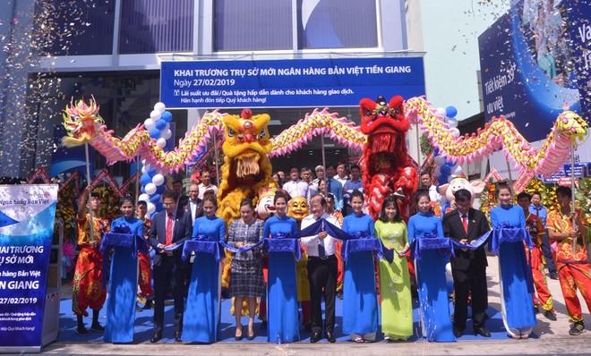 Ngân hàng Bản Việt An Giang khai trương trụ sở mới