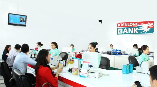 Kienlongbank triển khai bảo hiểm sức khỏe cho khách hàng vay vốn