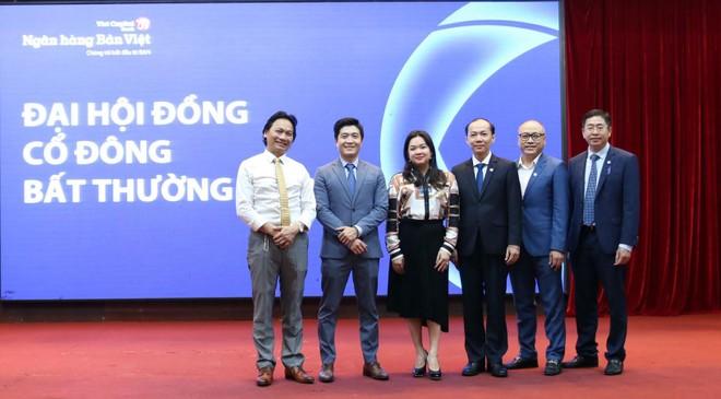 HĐQT Ngân hàng Bản Việt nhiệm kỳ 2020 - 2025 ra mắt đại hội đồng cổ đông