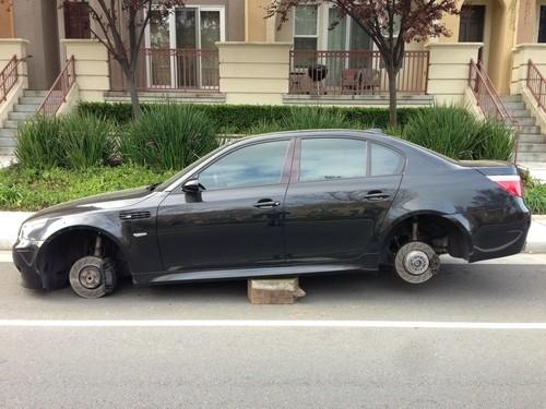 Những phụ tùng ôtô thường bị đạo chích nhòm ngó ảnh 2