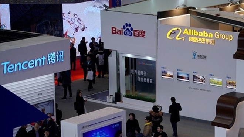 Gian hàng của các công ty công nghệ Trung Quốc tại một sự kiện. Ảnh: SCMP