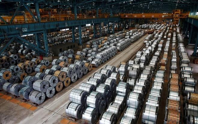 Theo Bộ Công Thương, hàng hóa nhôm Trung Quốc bán phá giá thời gian qua gây thiệt hại đáng kể cho ngành sản xuất trong nước. Ảnh: Reuters.