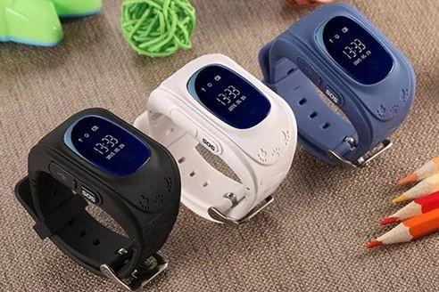 Đồng hồ định vị trẻ em thường có kích thước to nhưng trọng lượng nhẹ.