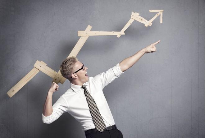 Thị trường tài chính 24h: Tiền vẫn chảy mạnh vào chứng khoán