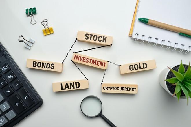 """Thị trường tài chính 24h: Nhóm ngân hàng giúp VN-Index """"thoát hiểm"""""""