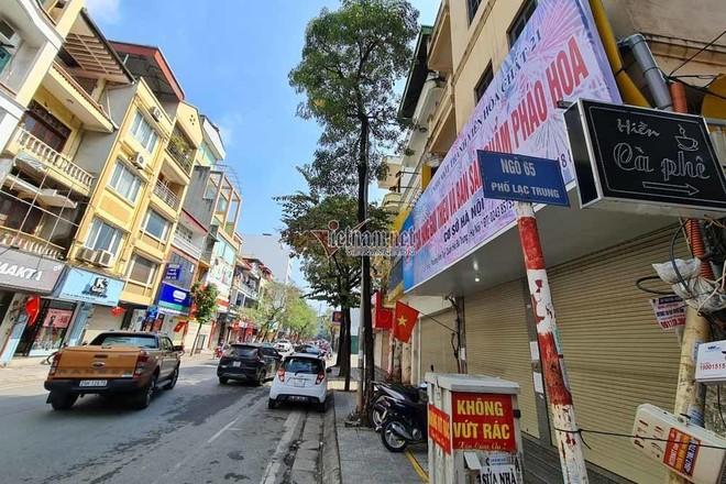 Người Hà Nội đổ xô mua pháo hoa, cửa hàng tạm đóng cửa sau vài giờ mở bán ảnh 1