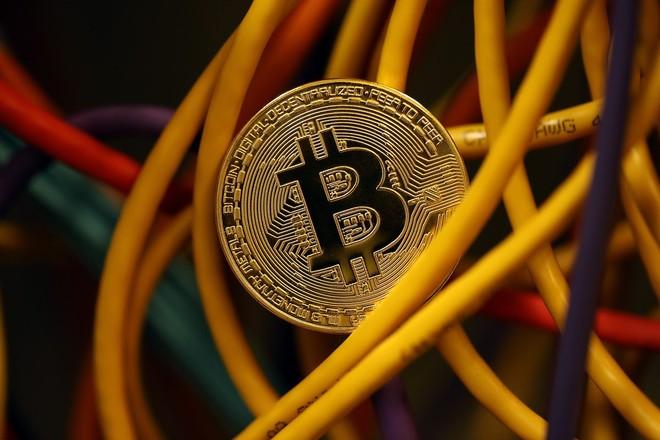 Bitcoin vật lộn tìm hướng đi