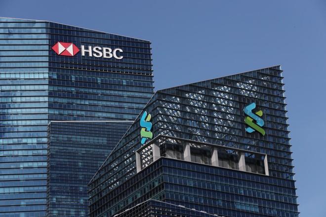 Loạt ngân hàng lớn vẫn chuyển tiền dù nghi ngờ hoạt động bất chính
