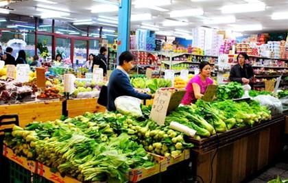 Thực phẩm tăng mạnh kéo CPI cả nước tăng 0,42% trong tháng 2