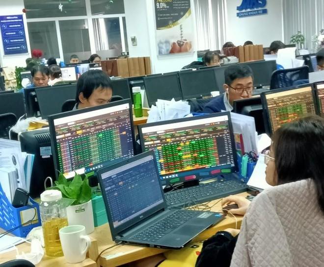 Tháng 3, có 227 nhà đầu tư ngoại được cấp mã số giao dịch và gần 31.950 tài khoản trong nước mở mới