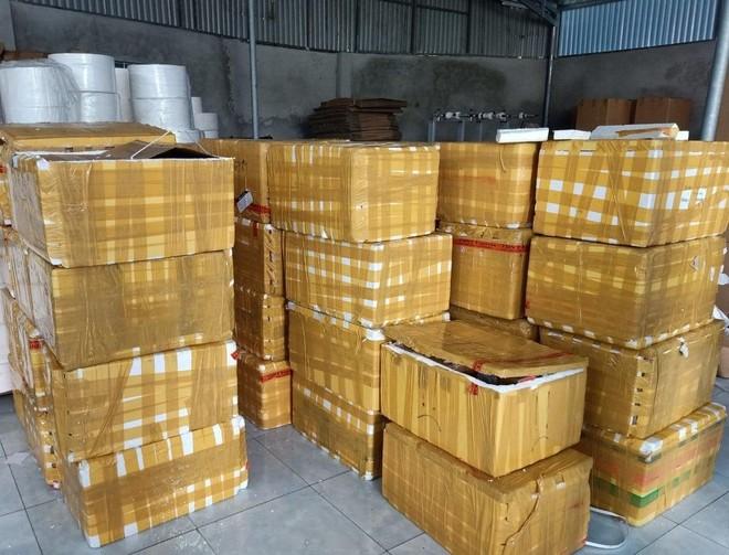 Hơn 400 chai rươụ Moutai đã bị tịch thu