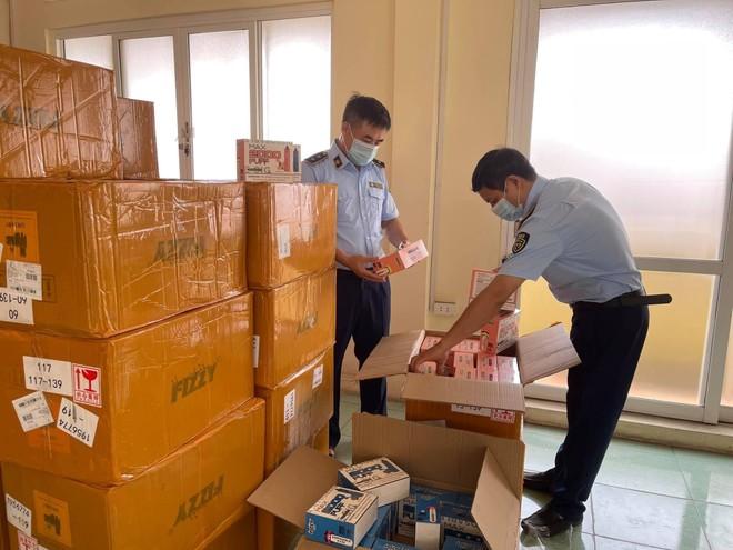 Phát hiện hàng ngàn sản phẩm thuốc lá điện tử nhập lậu tại Hà Nội ảnh 1