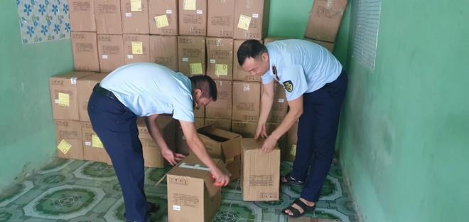 3.000 thiết bị đo nồng độ oxy và nhịp tim không rõ nguồn gốc tại Hưng Yên bị tạm giữ ảnh 1