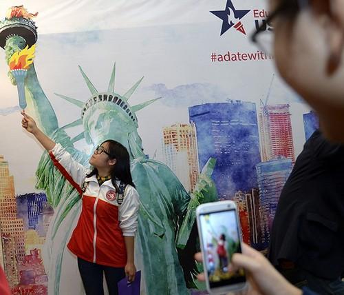 Việt Nam đứng thứ 6 trong về lượng sinh viên du học tại Mỹ ảnh 1