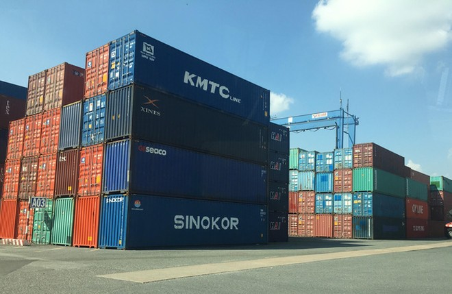 """Kiểm điểm người đứng đầu đơn vị để 213 container """"mất tích"""""""