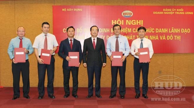Bộ trưởng Xây dựng bổ nhiệm lãnh đạo Tổng Công ty HUD