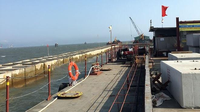 Thi công hai bến số 1, số 2, Dự án xây dựng cảng cửa ngõ quốc tế Lạch Huyện giai đoạn khởi động